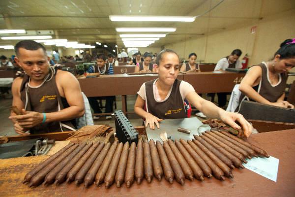 "\""Januari 2011, Estelli, Nicaragua, de sigaren van Padron, Plasencia en Oliva\"""
