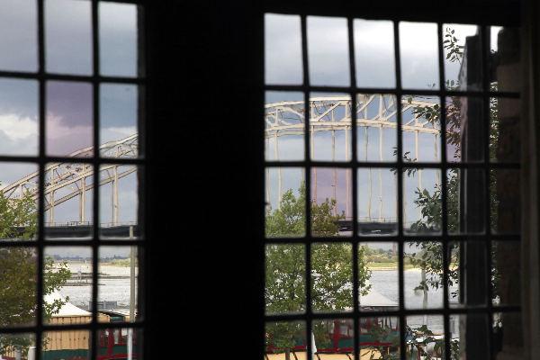 "\""Nijmegen, 16-9-2010 . Besiendershuis Waalkade\"""