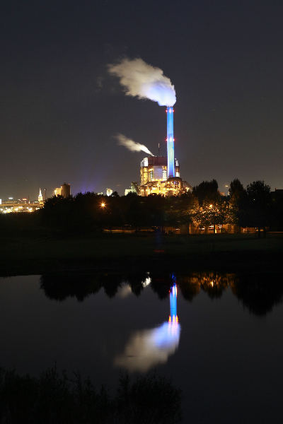 """Weurt, Electrabelcentrale by night. Electriciteitscentrale\"""