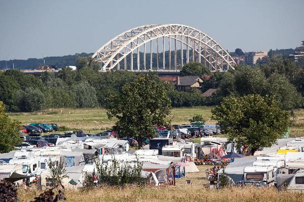 "\""Nijmegen, 19-7-2010 . Zomerfeesten, Vierdaagse, Camping in Lent\"""