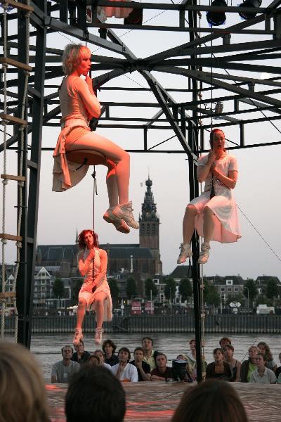 "\""Vierdaagsefeesten Nijmegen 2005 Toneelgroep Telder, Valkhofaffaire\"""