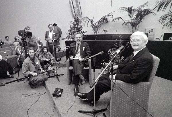 "\""Nijmegen, 08-11-1989, theoloog Edward Schillebeeks in de aula KUN.\"""