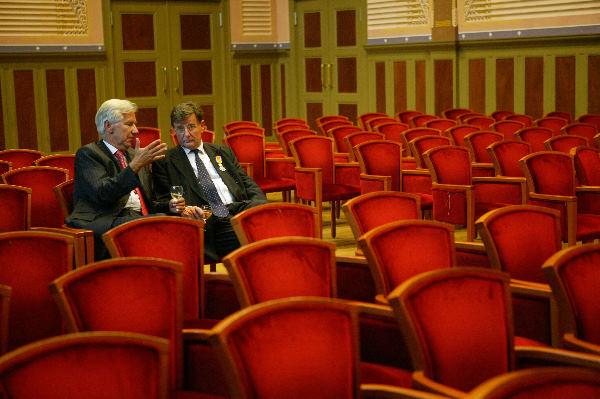 Afscheidsreceptie, seminar Miel Otto, GITP met david Maister en sigaren rokende heren Marcel Aalders 22 april 2004 Vereeniging