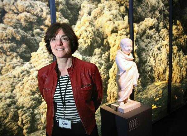 """""""Annelies Koster voor Daglog, conservator archeologie en projectleider van de tentoonstelling De laatste uren van Herculaneum in Museum Het Valkhof."""""""