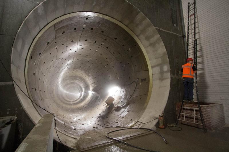 Tunnelbuis nieuwe metro. Noordzuid lijn. Amsterdam, 22-7-2013
