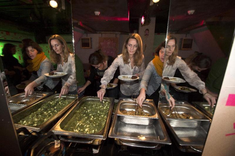 "\""Nijmegen, 18-11-2012 . Bollywood: Indiaas/Cambodjaans buffet in de Plak\"""