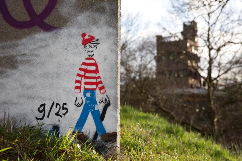 "\""Waar Wally is? Wally is overal,Trap voerweg/Waalbrug. Nijmegen, 31-1-2013 . dgfoto.\"""