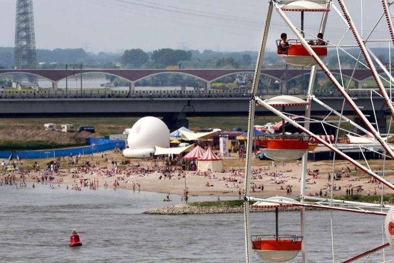 Festival op 't Eiland, Zomerfeesten, Vierdaagsefeesten, Vierdaagse, . Nijmegen, 16-7-2013 . dgfoto.