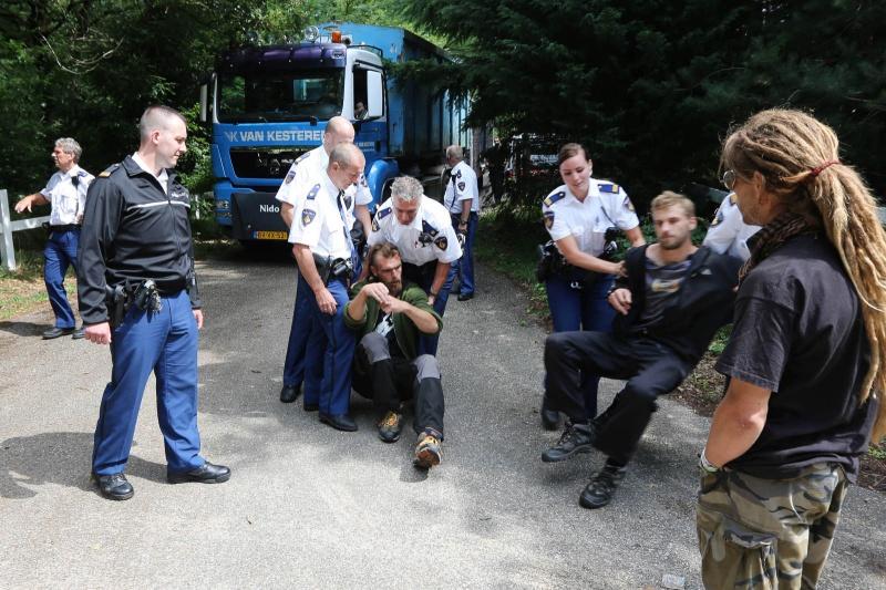 Ontruiming Hoge Hoenderberg, Groesbeek, 8-8-2013 . dgfoto.