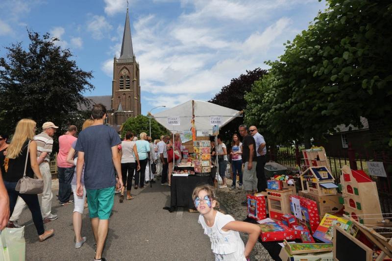 batenburgse dag (grote zomermarkt. Batenburg. Met paling en ezels , 28-7-2013 . dgfoto.