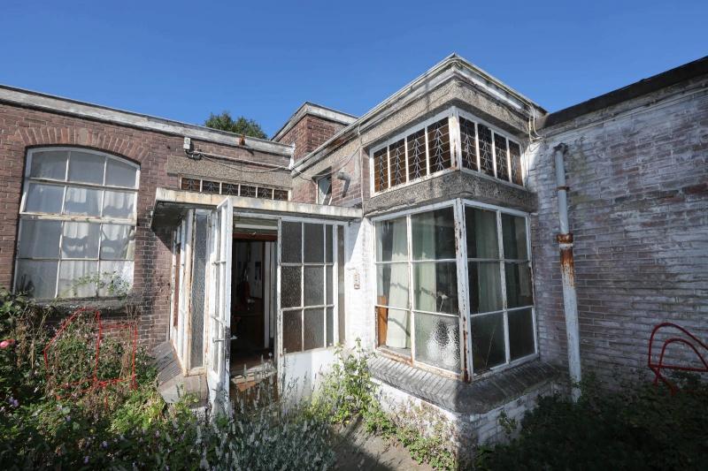 De kunstateliers achter het voormalig Belgisch consulaat, Pijkestraat 27, oude drukkerij. Nijmegen, 5-9-2013 . dgfoto.