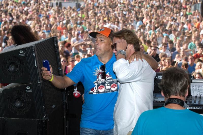 We love the 90. Popconcert in Goffertpark met oa. Mental Theo en gijs Staverman. Nijmegen, 31-8-2013 . dgfoto.