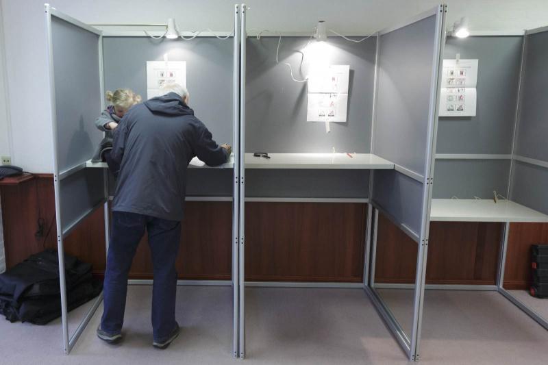 Verkiezingen gemeenteraad, stembureau Hotel Belvoir. Nijmegen, 19-3-2014 . dgfoto.