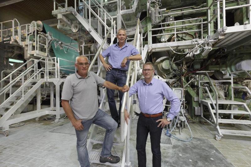 Papierfabriek Innoviopapers (Sappi), drie werknemers van Ondernemingsraad papierfabiek maken doorstart. Nijmegen, 8-7-2014 . dgfoto.