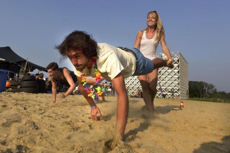 Wageningen, Mr en mrs. Beachclub op de WUR, 4-9-2014 . dgfoto.