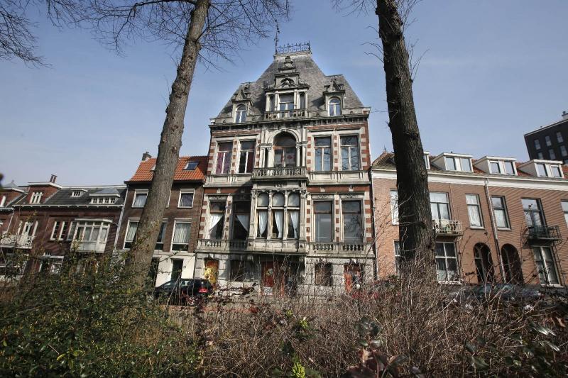 Voormalig Belgisch consulaat aan de Parkweg. Nijmegen, 16-3-2015 . dgfoto.