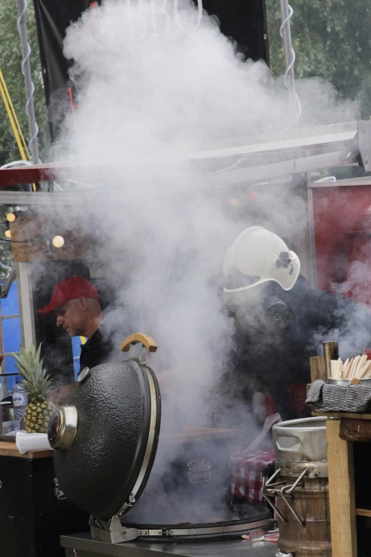 Vierdaagsefeesten, Zomerfeesten, Vierdaagse 2015, Kaaij, pornoburger. Nijmegen, 20-7-2015 . dgfoto.