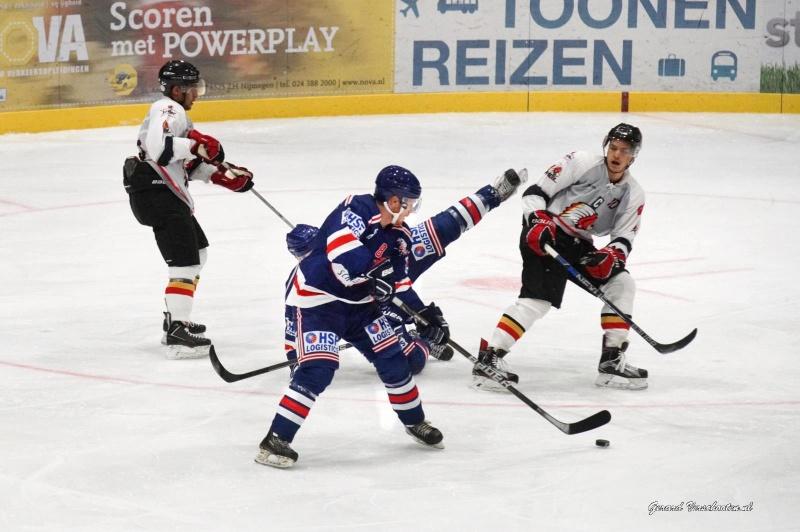 ijshockey: Devils - Leuven. nummer 8. Nijmegen, 2-10-2015 . dgfoto.