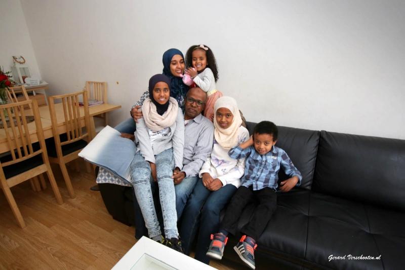 De familie Mohamed,  een Eritrees gezin met vier kinderen. Is voor de rubriek Zo Doen Wij Dat in de &-bijlage Hart & Ziel. . Nijmegen, 16-1-2016 .