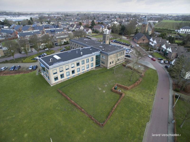 Gemeentehuis van Andels met de drone, 21-2-2017 .