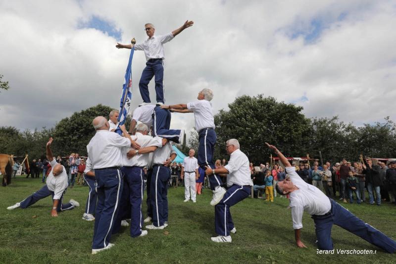 Oogstfeest en landdag in Breedeweg, Groesbeek met o.a de RK jonge boeren met levende pyramide., 10-9-2017 .
