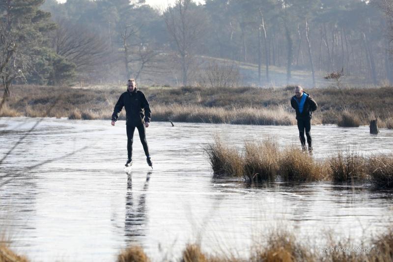 Schaatsen op Hatertse vennen, weliswaar aan de kant..... Nijmegen, 8-2-2018 .