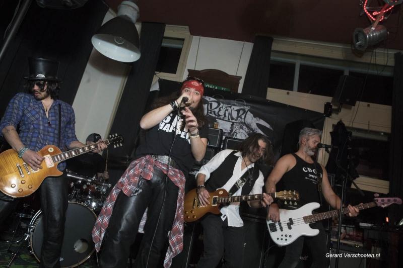 Tribute bands in Oost. Nijmegen, 25-2-2018 . , Guns & Ruses bij cafe Beij Ons