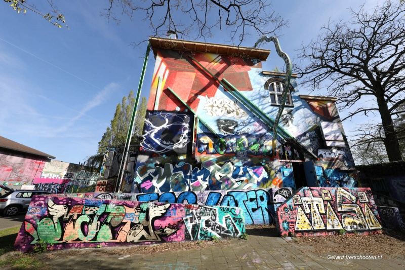 Oud Doornroosje Groenewoudseweg, vol grafity. Nijmegen, 19-4-2018 .