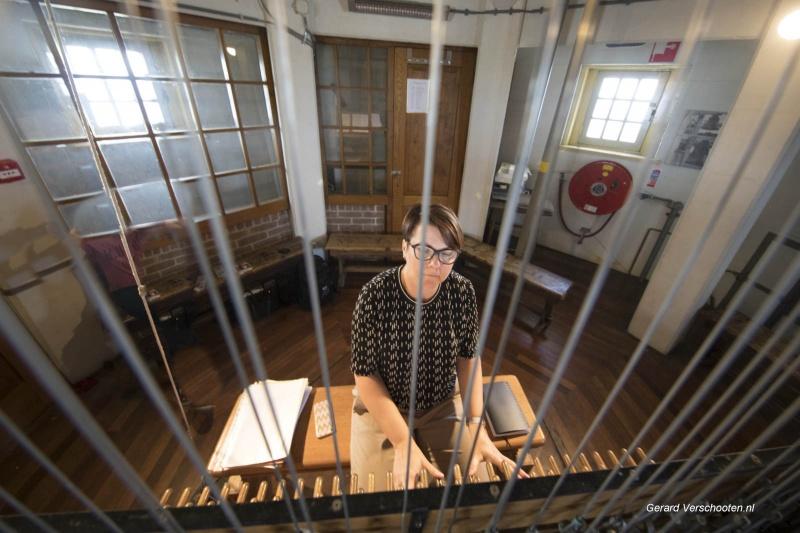 Stadsbeiaardier Malgosia Fiebig geeft orgelconcert op Stevenskerk ter even van dode dj Avici. Nijmegen, 23-4-2018 . Rob vd Velden weet wie wie is.