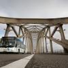 Waalbrug weekend afgesloten, Voornamelijk bussen en fietsers.. Nijmegen, 9-6-2013 . dgfoto.