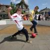Pannaveldjes, Pannavoetbal, kinderen voetballen vanwege zomerfeesten Elst, 30-6-2013 . dgfoto.