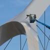 De nieuwe stadsbrug, de Oversteek, wordt geschilderd.. Nijmegen, 26-8-2013 . dgfoto.