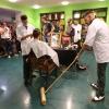 Kunstnacht. Nijmegen, 29-9-2013 . dgfoto.. Barbershop in de bieb