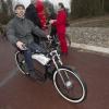 Opening fietstunnel onder de A15, Bemmel, 9-12-2013 .Gloed.