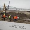 Problemen bij herstel westelijke damwand kade Nijmegen. Nijmegen, 18-11-2013 . dgfoto.