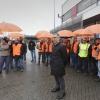 Aanbieden petitie aan directielid van Sappi papier.. Nijmegen, 13-2-2014 . dgfoto.