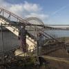 Ooijpoort, nieuwe brug getje over het Meertje. Antisliplaag zit erop en TOCH is de brug nog steeds dicht.. Nijmegen, 17-1-2014 . dgfoto.