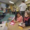Klas in montessori school. typisch montesori onderwijs.  . Nijmegen, 27-2-2014 . dgfoto.