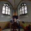 Zondag wordt nieuwe mariakapel in de Groenestraatkerk ingewijd, spotjes worden aangebracht. Nijmegen, 23-5-2014 . dgfoto.