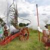 Opening van Landgoed Doornik in park Lingezegen. Er zijn ridders en soldaten, er wordt een kanon afgeschoten en een vlag in de Mauritstoren van wilgentenen gehangen. Nijmegen, 21-6-2014 . dgfoto.
