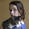 Meisje in Hatert, wiens kat zondag is doodgeschoten. Nijmegen, 15-9-2014 . dgfoto.