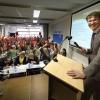 Staatssecretaris Sander Dekker debatteert met scholieren Kandinsky college.De scholieren waren tegen de stelleng. De staatssecretaris overigens ook. . Nijmegen, 13-4-2015 . dgfoto.