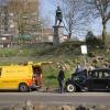 ANWB helpt Citroen Traction d'Avant onder het toeziend oog van keizer Trajanus. Nijmegen, 19-4-2015 . dgfoto.