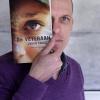 Johan Faber met boek. Nijmegen, 30-3-2015 . dgfoto.