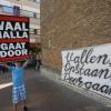 Aktie van Waalhalla bij gemeentehuis. Nijmegen, 10-6-2015 . dgfoto.