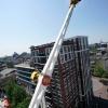 Booster op kermis gaat vlak langs de woningen, plein '44. Nijmegen, 6-6-2016 .