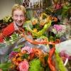 Poelier Loes Swijtink heeft bloemen bij afscheid gekregen. Nijmegen, 30-11-2015 .