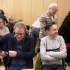 Onthulling artikel 1 ding op gemeentehuis met Bruls en Spong en Cecile. Nijmegen, 16-2-2017 .