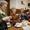 "\""Ouderen breien voor Roemenie Talis 18-02-2004\"""