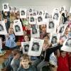 "\""Idol \'s Maud\'s basisschool steunt 29-04-2004\"""